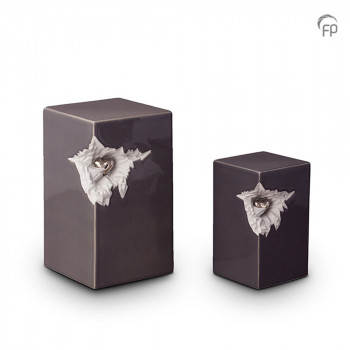 keramisch-urn-vierkant-lang-antraciet-glad-zilverkleurig-hart_ku-015-set_funeral-products_191-192