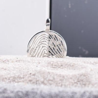 zilveren-vingerafdruk-hanger-rond_roy-zfph-004_royolz_586_memento-aan-jou