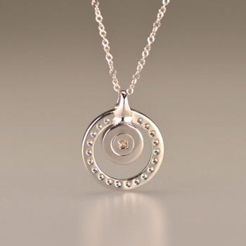 zilveren-witgouden-ashanger-gesloten-voor-ring-zirkonia-diamant-achteraanzicht_sy-108-sdi_seeyou-memorial-jewelry_memento-aan-jou