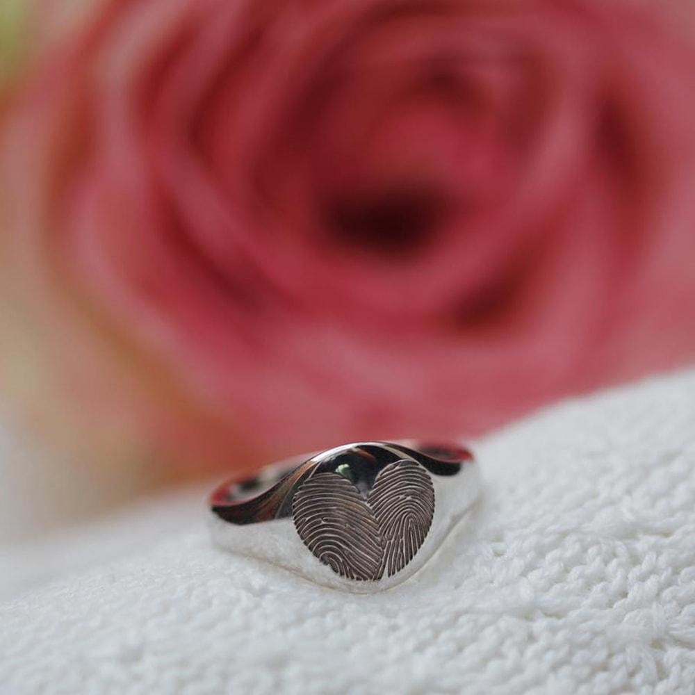 zilveren-vingerafdruk-ring-hartvorm-twee-afdrukken-zegel_sy-412-s_seeyou-memorial-jewelry_470-min