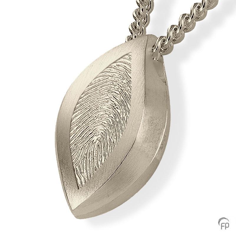 witgouden-ashanger-fantasie-vingerafdruk_fp-ah-013.fp_funeral-products_773_memento-aan-jou