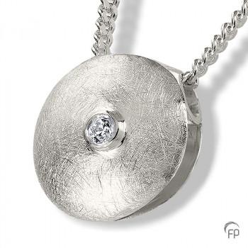 zilveren-ashanger-rond-zirkonia_fp-ah-011_funeral-products_653_memento-aan-jou