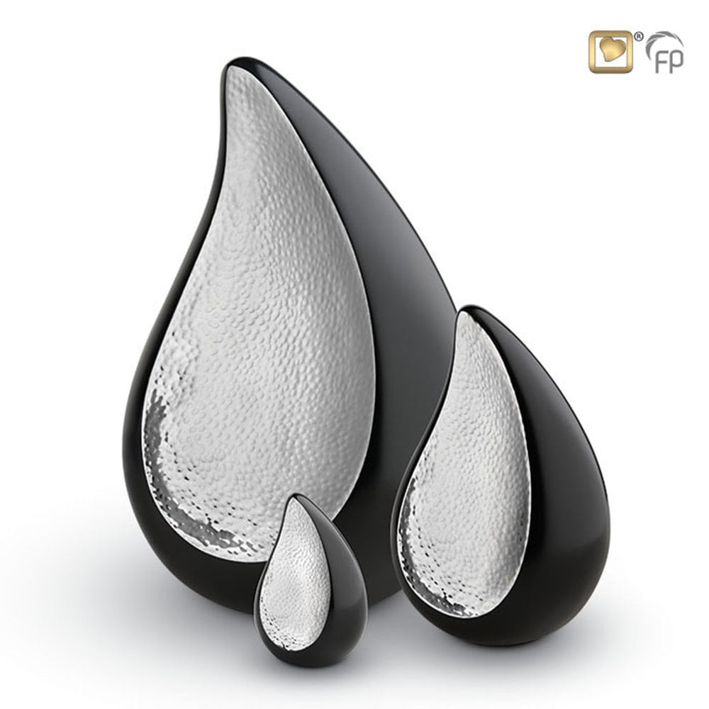 teardrop-urn-zwart-zilver-druppel-traan_LU-582-set_LoveUrns_7-8-9