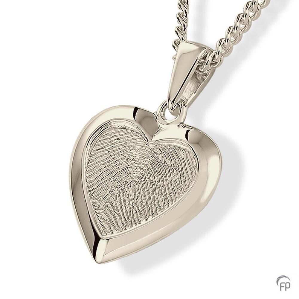 witgouden-vingerafdrukhanger-hart-vorm-glanzende-rand_fp-hf-105_funeral-products_754_memento-aan-jou