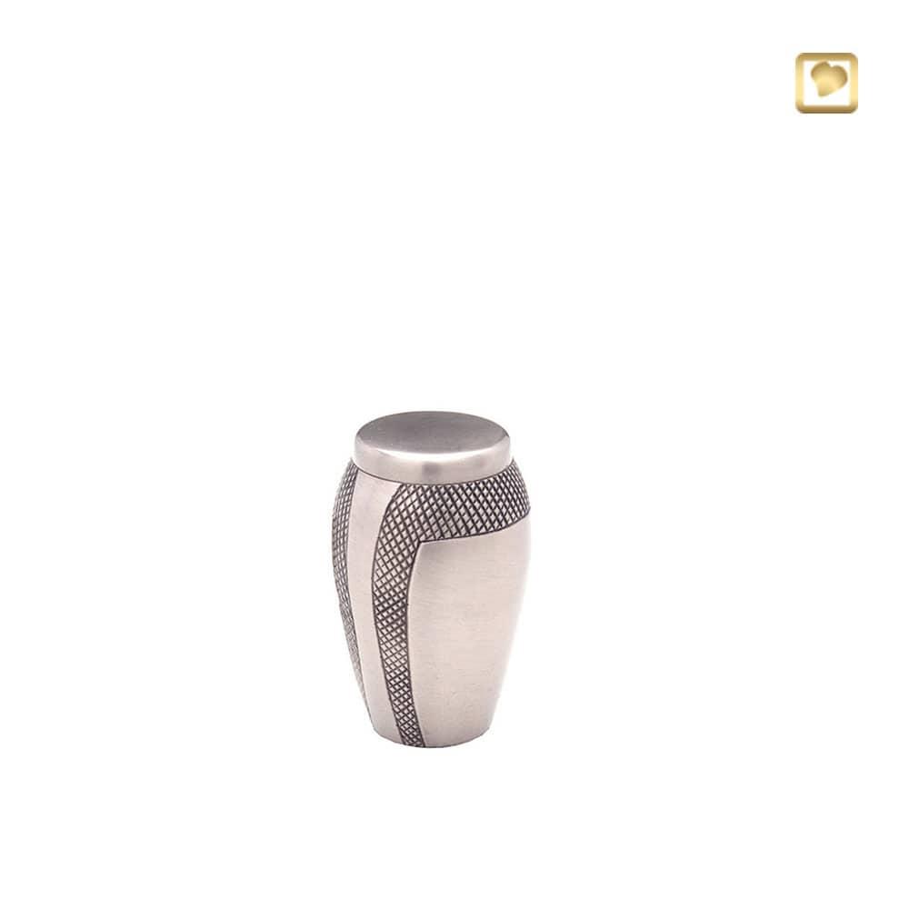 messing-metalen-mini-urn-zilver-zwarte-gravering_hu-174-k_funeral-products_91