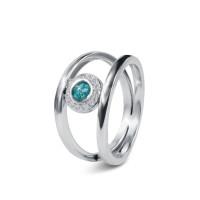 Twee zilveren gladde ringen, ronde open ruimte met zirkonia