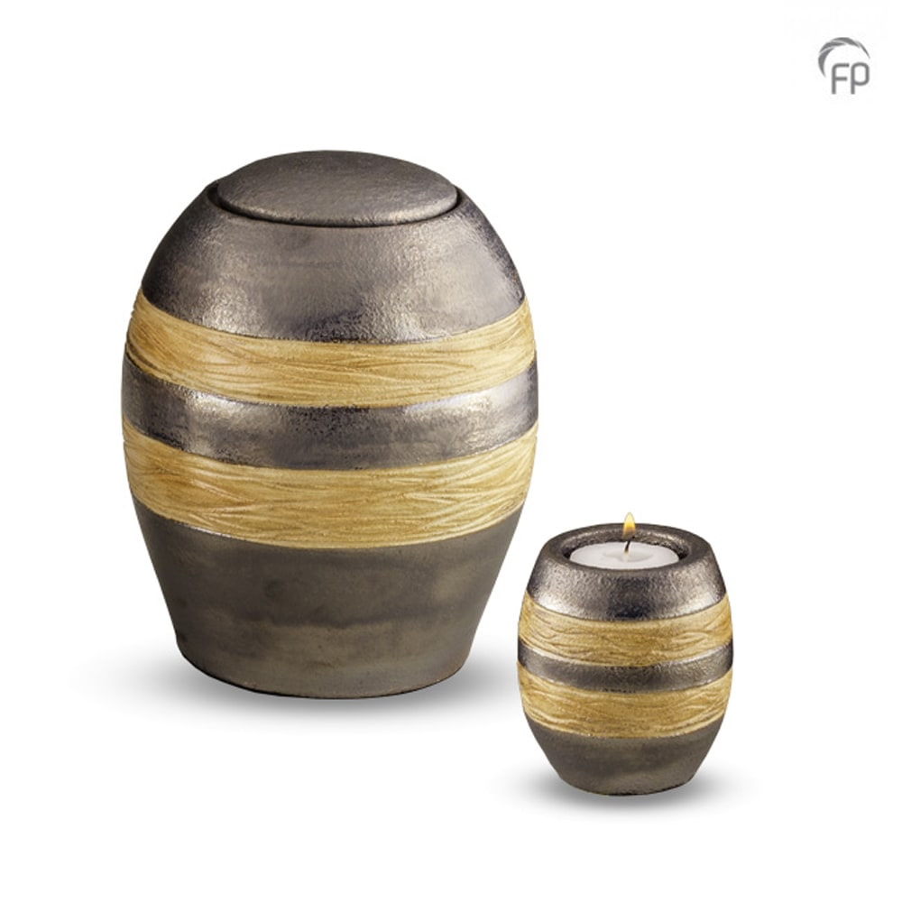 xkeramisch-urn-geel-lijn-effect-geschikt-voor-buiten_ku-307-m-307-k_funeral-products_166-167