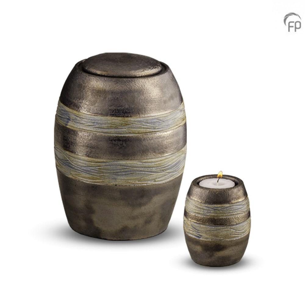 keramisch-urn-groenig-lijn-effect-geschikt-voor-buiten_ku-306-m-306-k_funeral-products_163-164