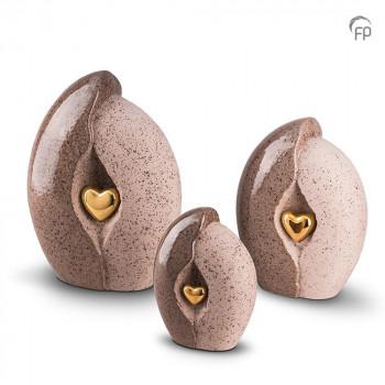 keramische-urn-beige-ruwe-zijde-gladde-zijde-goudkleurig-hart_ku-002-set_funeral-products_129-130-131