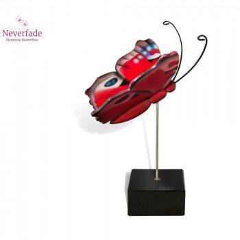 vlinder-mini-urn-dagpauwoog-rood-wit-blauw-zijkant-met-blokje_nf-4060_memento-aan-jou