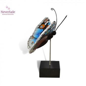vlinder-mini-urn-idea-deuconoe-blauw-wit-zwart-oranje-zijkant-met-blokje_nf-4056_memento-aan-jou