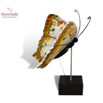 vlinder-mini-urn-white-peacock-wit-oranje-geel-zwart-zijkant-met-blokje_nf-4057_memento-aan-jou