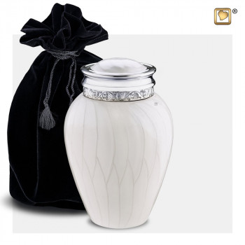urn-wit-parel-zilverkleurig-accent-medium-blessing-black-bag_lu-m-297