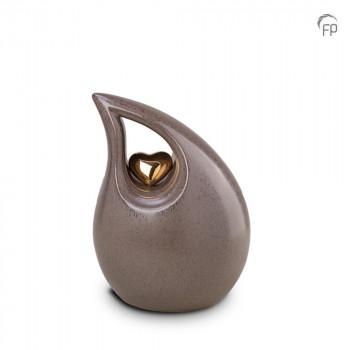 keramische-druppel-urn-middel-beige-glad-goudkleurig-hart-mastaba_ku-006-m_fp-funeral-products_memento-aan-jou
