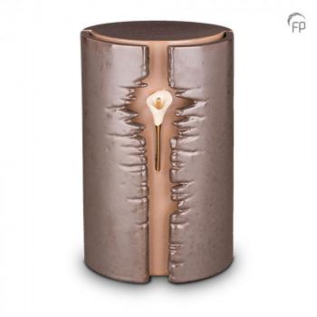 keramische-urn-groot-bruin-ovaal-hoog-callas-led-licht-mastaba_ku-103l_fp-funeral-products_memento-aan-jou