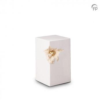 keramische-vierkante-urn-middel-wit-glad-goudkleurig-hart-mastaba_ku-016-m_fp-funeral-products_memento-aan-jou