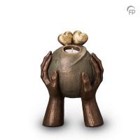 """Keramische urn """"Gedragen"""" Geert Kunen"""