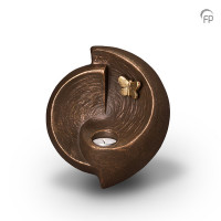 """Keramische muur-urn """"Vrij zijn"""" en """"Mijn lief"""" Geert Kunen"""