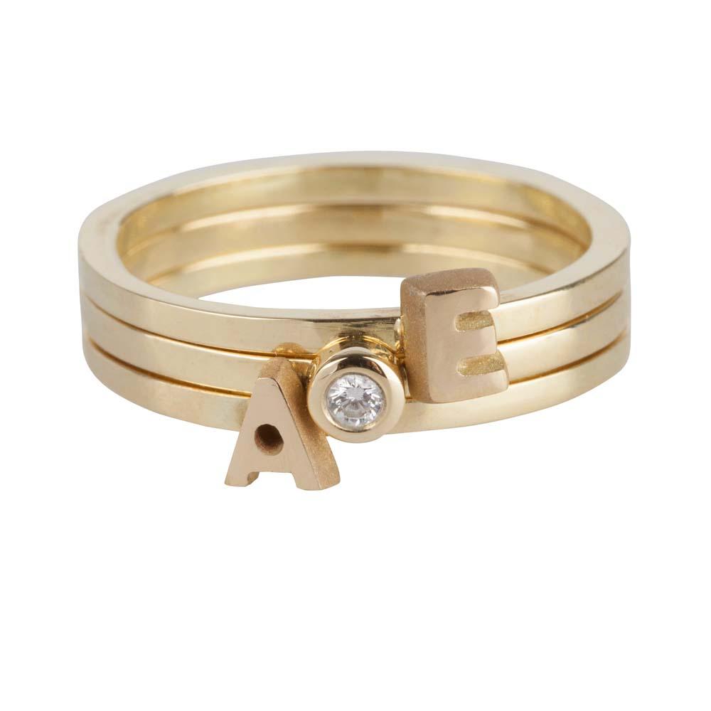 gouden-letter-capital-diamant-rings-triple_jf-capital-letter-ring-triple_justfranky-631-632_memento-aan-jou